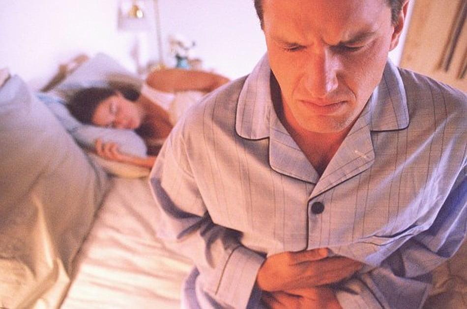 Боль в печени при гепатите С у мужчин